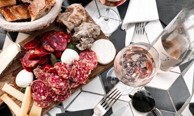 8 najlepszych połączeń z winami różowymi