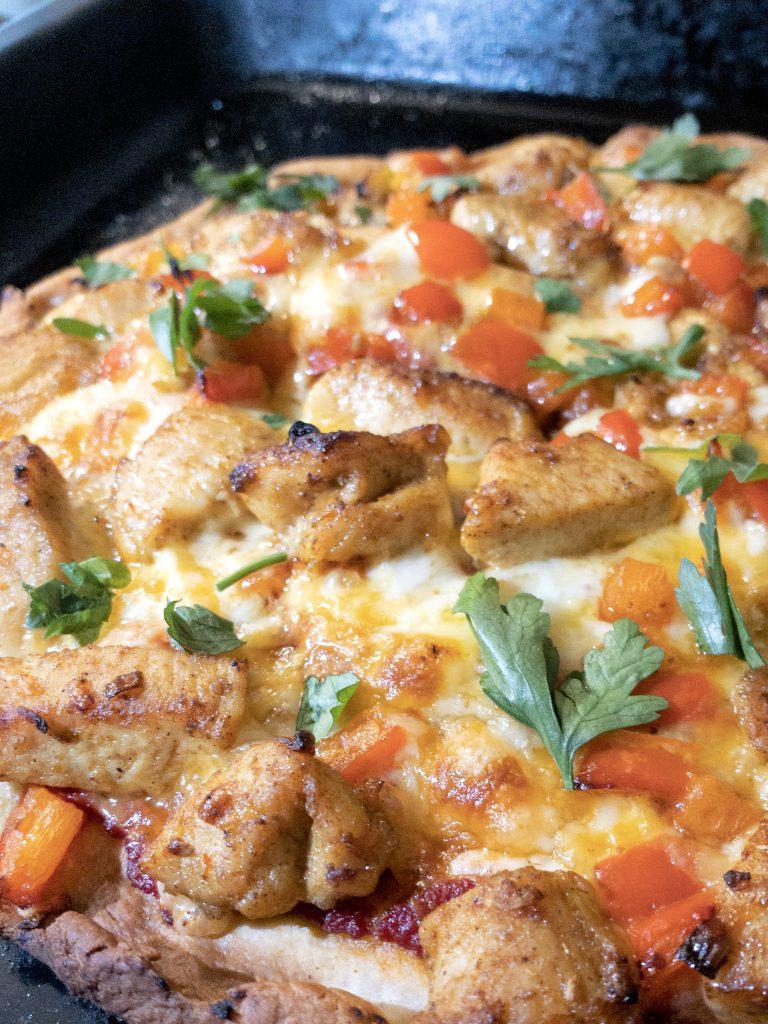 pizza fusion z kurczakiem tikka masala