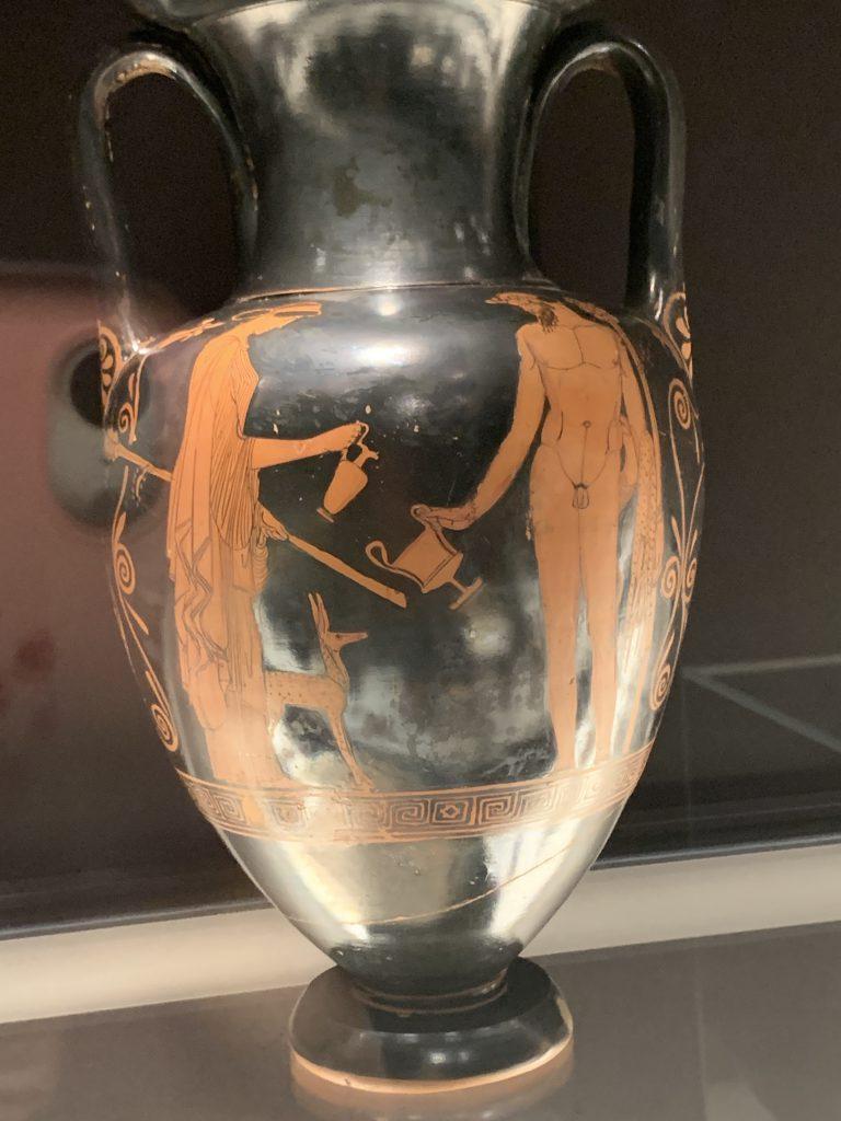Grecka waza Menada z winogronami i Satyr