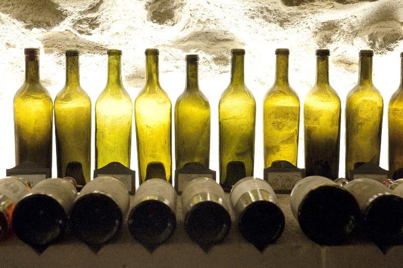 Czy wino im starsze tym lepsze?  Wszystko o starzeniu wina.